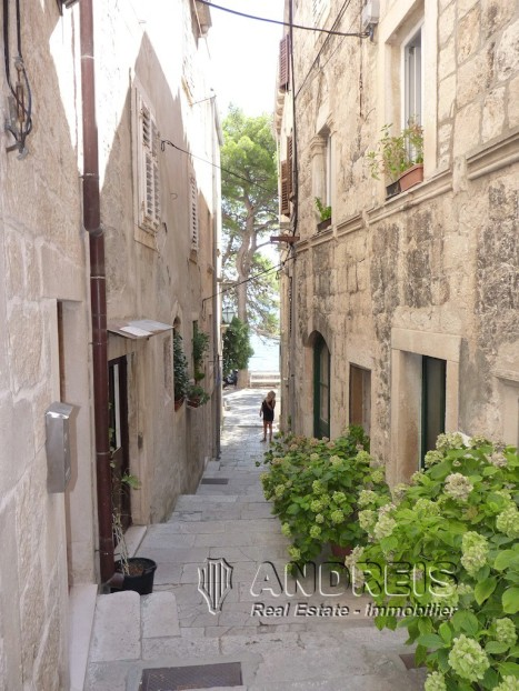 Korcula-pearl-of-the-old-town-13