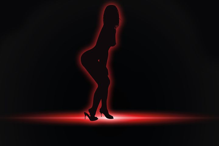 striptease-444687__480