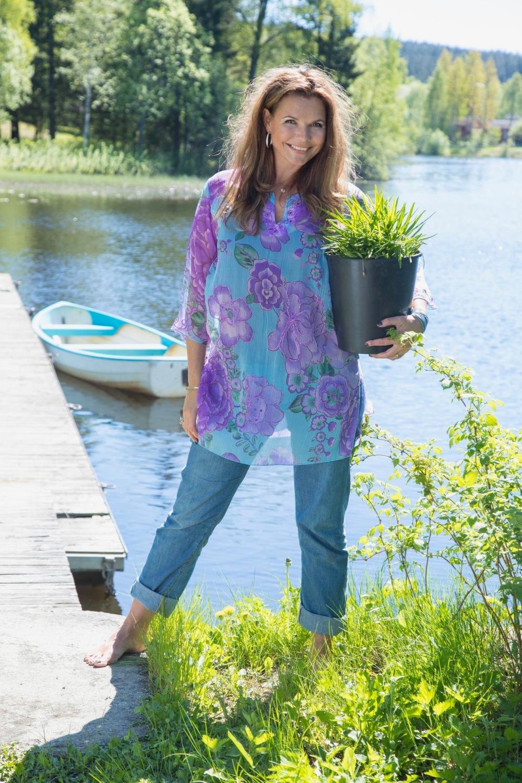 Trude Helen Hole, forfatter modell og fotograf.