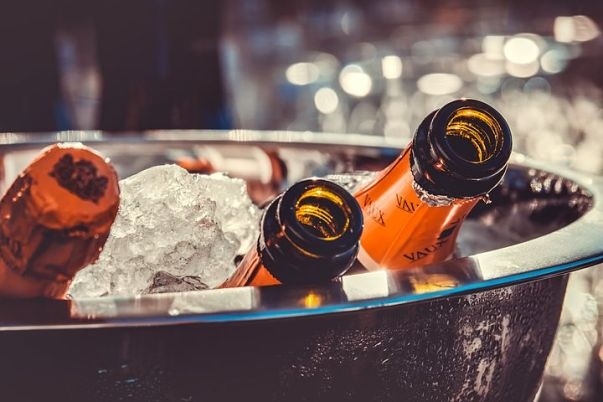 champagne-3515140__480